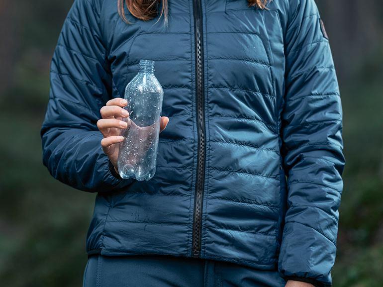 Gjord av återvunna PET-flaskor Large
